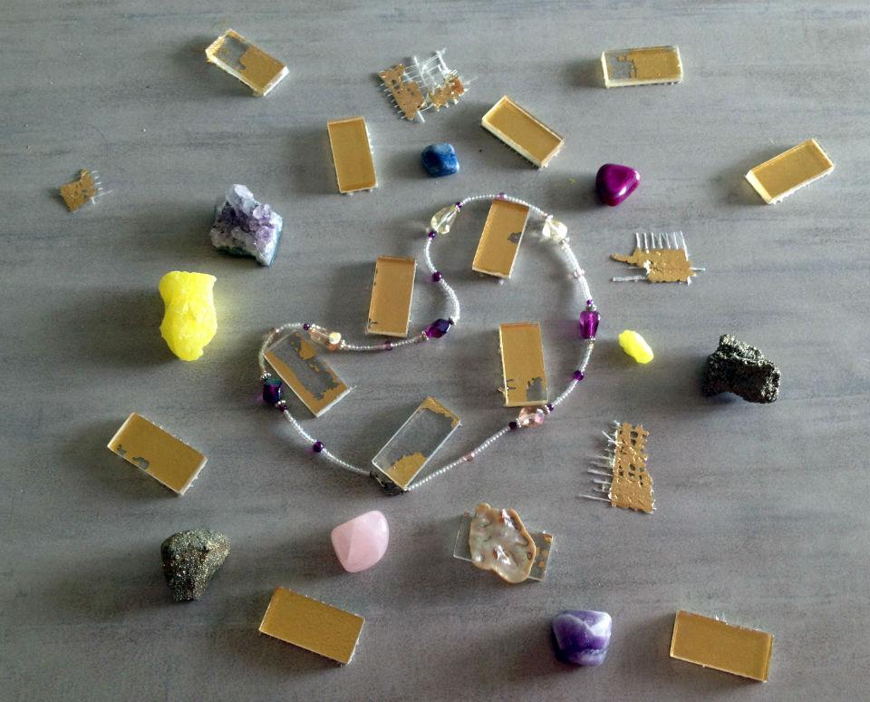Zoom sur les pierres et cristaux