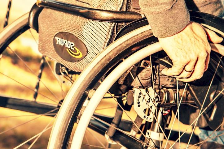 La question du jour : faut-il assurer son fauteuil roulant électrique?